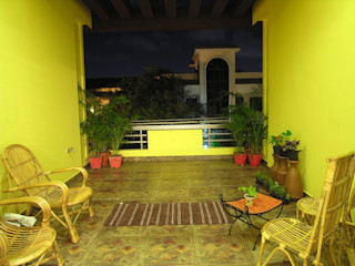 Balcony Ansari Architects Modern style balcony, porch & terrace
