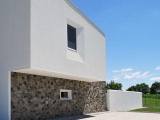 Casa P+F Margherita Mattiussi architetto Case moderne Bianco