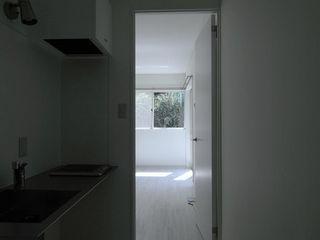 studio m+ by masato fujii Finestre & PortePorte Legno Bianco