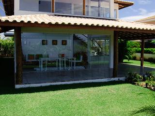 CHASTINET ARQUITETURA URBANISMO ENGENHARIA LTDA Balkon, Beranda & Teras Tropis Kayu Wood effect