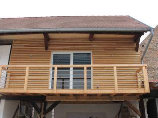 Agence ADI-HOME Rumah Modern Kayu