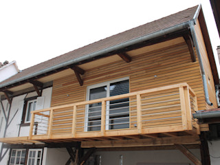 Agence ADI-HOME Balkon, Beranda & Teras Modern Kayu