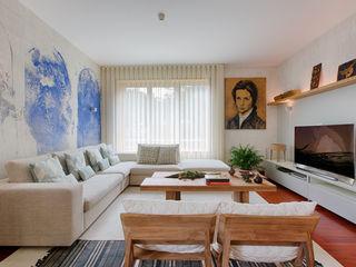 ShiStudio Interior Design Eclectic style living room