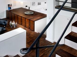Gisbert Pöppler Architektur Interieur 玄關、走廊與階梯階梯 Wood effect
