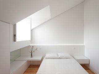 Ricardo Caetano de Freitas   arquitecto Minimalist bedroom