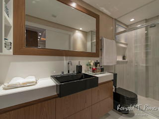 Priscila Koch Arquitetura + Interiores Modern bathroom