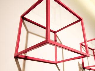 studio m+ by masato fujii Pareti & PavimentiDecorazioni per pareti Metallo Rosa