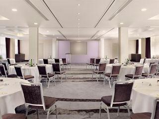 Doubletree by Hilton Nottingham - Gateway Rethink Interiors Ltd Modern hotels