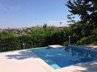 Swimming pool with view GAAP Studio Giorgio Asciutti Architetto Paesaggista Giardino moderno