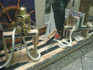 株式会社シオン Industrial style dressing rooms Solid Wood Wood effect