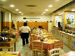 CEAR Ceramiche Azzaro & Romano Srl Mediterranean style dining room Ceramic