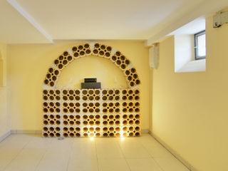 Immobilienphoto.com Ruang Penyimpanan Wine/Anggur Modern