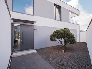 haus GTO BPLUSARCHITEKTUR Minimalistische Häuser