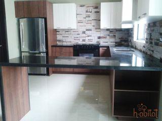 H-abitat Diseño & Interiores Cozinhas modernas Granito Multicolor