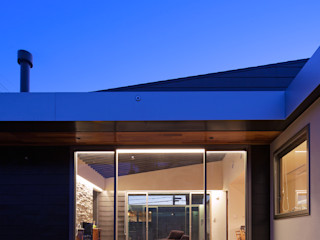 ISDアーキテクト一級建築士事務所 Modern houses Aluminium/Zinc Black