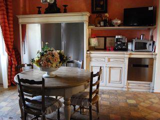 Porte del Passato Cocinas de estilo clásico