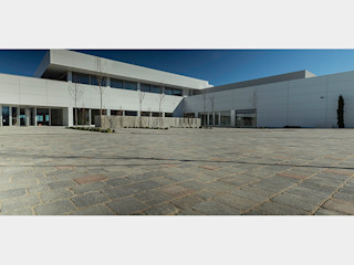 CENTRO DE FORMACIÓN STIHL Quadro Jardines de estilo moderno Hormigón Gris