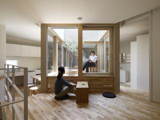 藤原・室 建築設計事務所 WohnzimmerHocker und Stühle