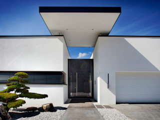 Klaus Geyer Elektrotechnik Asian style house