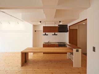 豪徳寺のマンションリノベーション 佐賀高橋設計室/SAGA + TAKAHASHI architects studio オリジナルデザインの ダイニング