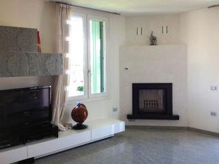 SALM Caminetti Salas de estilo moderno Pizarra