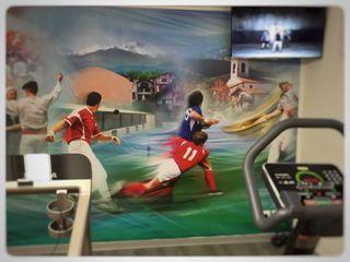 Une salle de sport complète dans une cave Athletica Design Salle de sport moderne