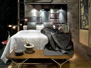 SAINZ arquitetura Phòng ngủ phong cách công nghiệp Gạch Grey