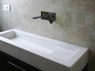 Da ripostiglio a doccia- Ristrutturazione di un appartamento a Pomigliano (Na) archielle Bagno moderno