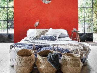 """CRAZY CHICKEN """"JACQUELINE"""" ELISABETH LEROY Collections Murs & SolsDécorations murales Papier Rouge"""