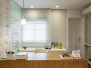SESSO & DALANEZI Dormitorios modernos: Ideas, imágenes y decoración