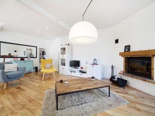 Rénovation d'une longère O2 Concept Architecture Salon scandinave Bois massif Effet bois