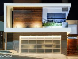 SZTUKA Laboratorio Creativo de Arquitectura Modern houses Wood Wood effect
