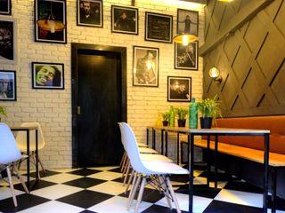 CAFE IN MUMBAI HK ARCHITECTS Modern bars & clubs