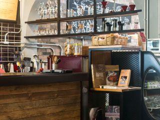 Reformanda - Barra de café Taller La Semilla Gastronomía de estilo industrial Acabado en madera