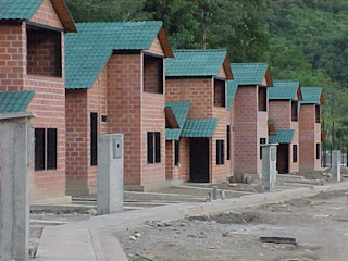 INVERSIONES NACSE S.A.S. Tropische Häuser Ziegel