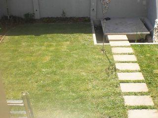 Dhena CONSTRUCCION DE JARDINES Modern Garden Metal Green