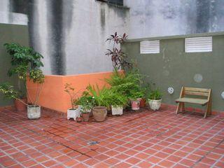 Dhena CONSTRUCCION DE JARDINES Modern Garden Glass Green