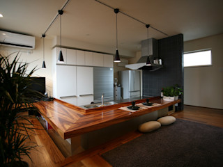 85inc. Modern dining room Wood Wood effect