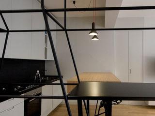 Ostiense House #01 Manuela Tognoli Architettura Ingresso, Corridoio & Scale in stile moderno