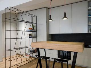 Ostiense House #01 Manuela Tognoli Architettura Cucina moderna Grigio