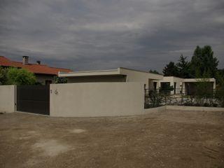 Maison cubique moderne avec piscine Pierre Bernard Création Maisons méditerranéennes