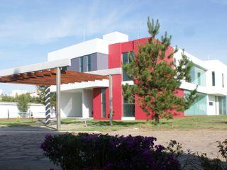 Arquimia Arquitectos Rumah Modern Beton White