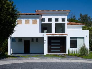 RESIDENCIA DIANA Excelencia en Diseño Casas coloniales Ladrillos Beige
