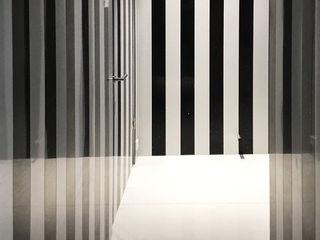 trend group Baños de estilo moderno Azulejos Negro