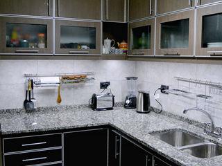 LDC Arquitectura Cozinhas modernas Metal Acabamento em madeira