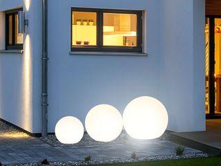 Skapetze Lichtmacher Balconies, verandas & terraces Lighting White
