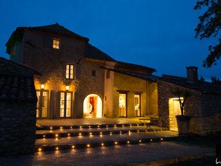 Jeux de Lumière Rustic style houses