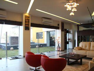 4th axis design studio Soggiorno moderno