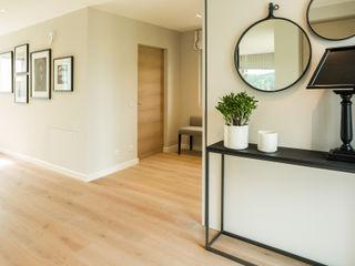 Bau-Fritz GmbH & Co. KG Modern Corridor, Hallway and Staircase
