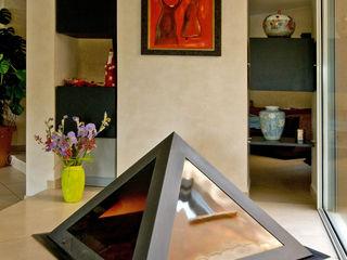 Maison moderniste à la décoration colorée Pierre Bernard Création SalonAccessoires & décorations